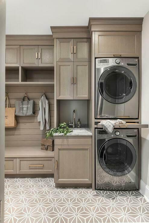 Куда обращаться, если в стиральной машине есть посторонние предметы, и можно ли самому устранить проблему