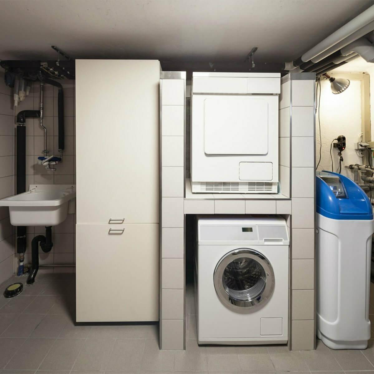 У стиральной машины не работает отжим? Позвоните нам – мы подскажем, что нужно делать