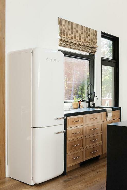 Помощь по ремонту холодильников в Харькове уже в шаге от вас, ниже вы найдете очень много полезной информации