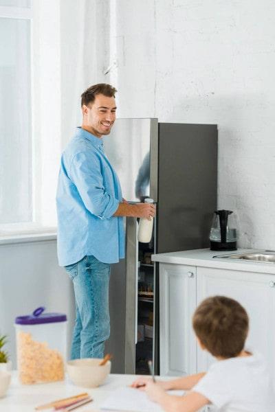 Сколько стоит ремонт холодильника
